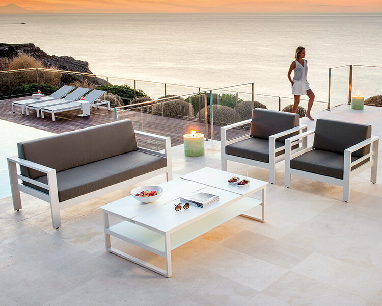 Sion lounge met Miami CT + Arolla TBL - Evora SAC + Cadzand ligbed - Bari side table(2)